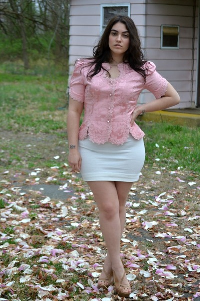 light pink vintage blouse - ivory skirt - nude Jessica Simpson pumps