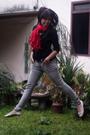 Black-random-top-black-forever21-blazer-gray-logo-jeans-white-marie-claire