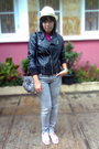 Pink-thrift-shirt-gray-logo-jeans-black-nyla-jacket-gray-gift-from-a-frien
