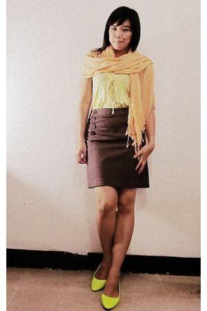 yellow random top - brown Atmosphere skirt - yellow thrift scarf - yellow rubi s