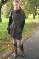 loafavarra coat - la petite francaise leggings
