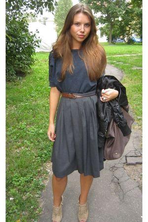 gray Twin Set skirt - blue Top Shop shirt - beige Uterque shoes - brown Uterque