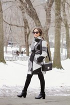 Low Messy Pony- Winter @ Central Park