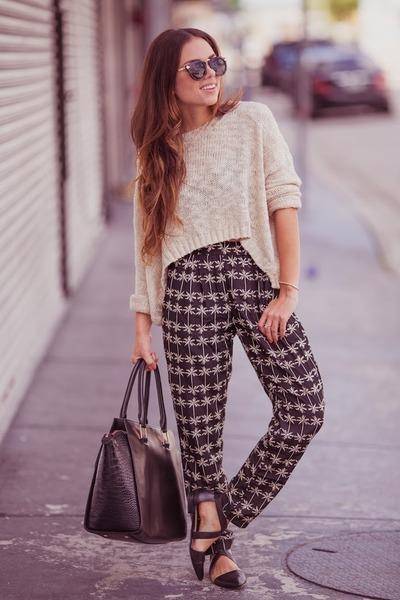tan 2020AVE sweater - black Shoedazzle shoes - black ted baker bag