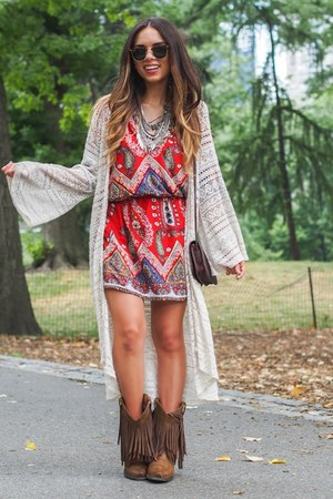 light brown fringe Ariat boots - ruby red paisley Alloy Apparel dress