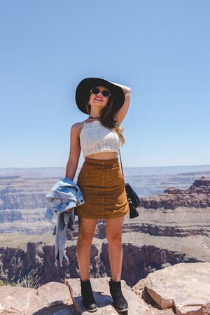 black H&M boots - black Forever 21 sunglasses - tawny H&M skirt