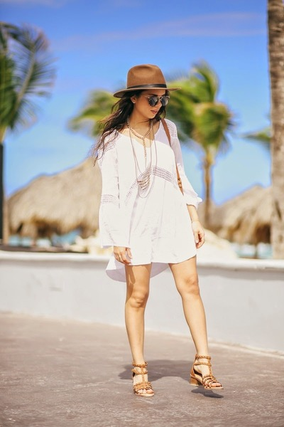 brown Shoedazzle shoes - white lspace dress - brown Revolve Clothing hat