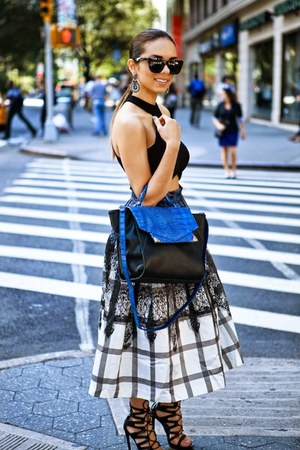 black lace-up Shoedazzle shoes - blue Danielle Nicole bag