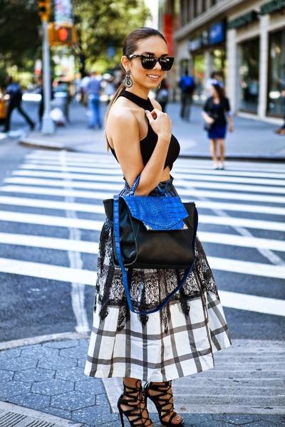 black lace-up Shoedazzle shoes - blue Danielle Nicole bag