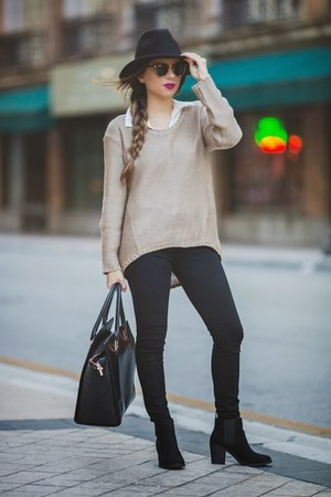 ivory knit Nordstrom Rack sweater - black ankle H&M Trend boots