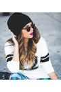 Black-dr-martens-boots-gold-h-m-hat-white-arizona-sweater