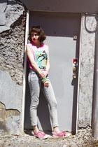 bubble gum Aritzia top - silver vintage jeans - bubble gum Palladium sneakers