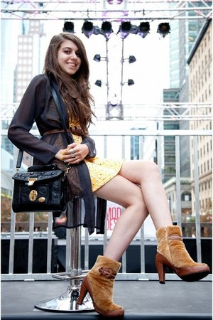 bronze faux fur vintage boots - light yellow H&M dress - black vintage bag