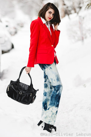 red Vince Camuto blazer - blue DIY jeans - black vegan leather Nella Bella bag