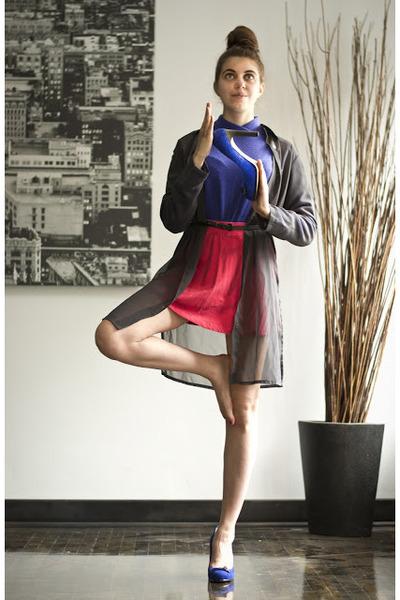 blue velvet Vince Camuto heels - blue vintage sweater