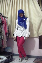 blue unbranded scarf - white H&M blouse - red unbranded pants