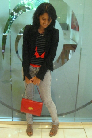 red Louis Fontain purse - black Yuan blazer - gray angel&devil shoes