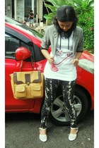 black jeans - white t-shirt - brown purse - gray blazer - white shoes -