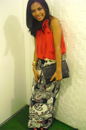 From Bazaar skirt - mphosis purse - Tango belt - from mom bracelet