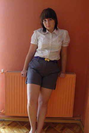 white H&M blouse - gray H&M shorts - purple Vero Moda belt