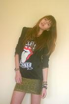 black StyleSofia shirt - gold StyleSofia skirt