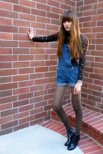 black vintage top - blue Earnest Sewn jeans - black stefane kelian boots
