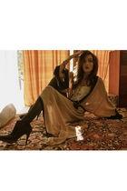 beige vintage dress - vintage intimate - black leggings - brown Steve Madden boo