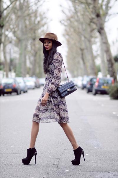 brown fedora Bates Hat hat - black 6 inch heel Carvela boots