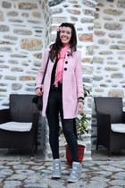 a8f753be9740 vintage coat - black faux leather Topshop leggings - bubble gum vintage  scarf