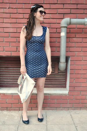 beige Primark bag - navy La Redoute shoes - blue polka dots Bershka dress