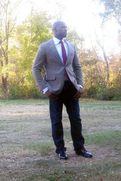 vintage tie - shirt - jacket - Levis jeans - Cole Haan shoes