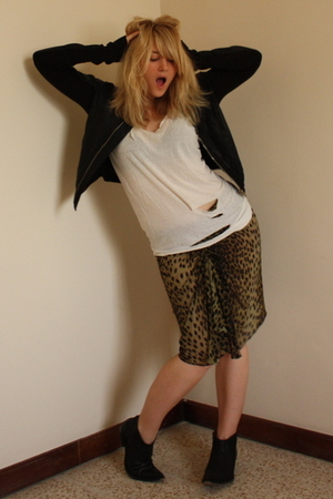 Rick Owens jacket - vintage top - Isabel Marant skirt - sancho boots