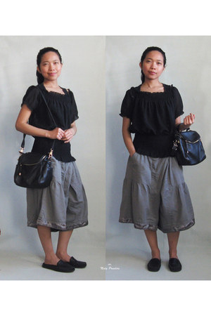 black blouse - black Romwecom bag - heather gray pants - black loafers