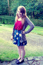 Maroon-topshop-vest-navy-pansy-print-topshop-skirt-gold-own-necklace