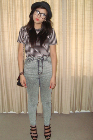 black Country Road t-shirt - gray vintage pants - black Chanel lambskin 255 purs
