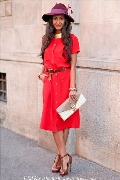 red Vintage Pierre Balmain dress - maroon Gucci hat - beige Ita Collection bag