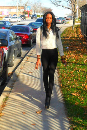 black Forever 21 leggings - beige H&M sweater - black wedges