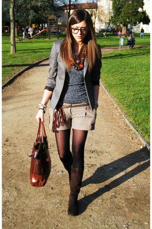 gray Guess blazer - brown boots - brown Botticelli bag - Sisley shorts