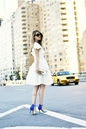 blue Zara sandals - white Nina Ricci dress