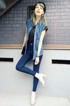 black vintage hat - blue skinny Topshop jeans - black top