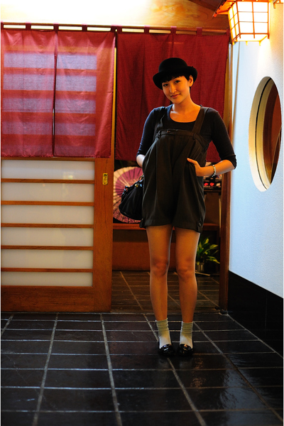 black Ebay hat - gray thrifted top - brown neneee shorts - silver socks - black