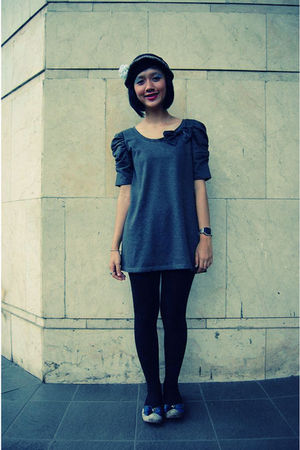 gray dress - black leggings - silver shoes