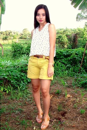 light yellow shorts - bronze Leaveland sandals - ivory top