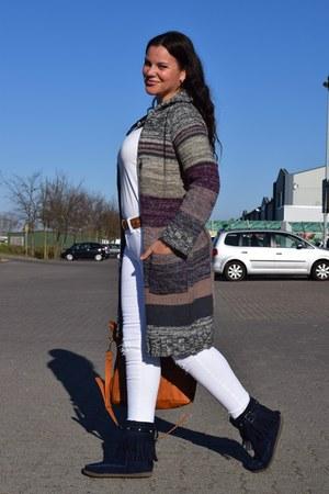 Gina Benotti cardigan - Ariane boots - Bershka jeans - Even&Odd bag