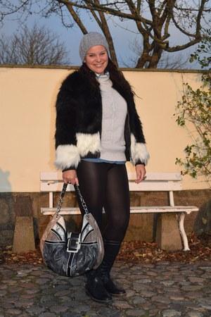 H&M coat - Catwalk boots - Zara sweater - H&M shirt - Guess bag