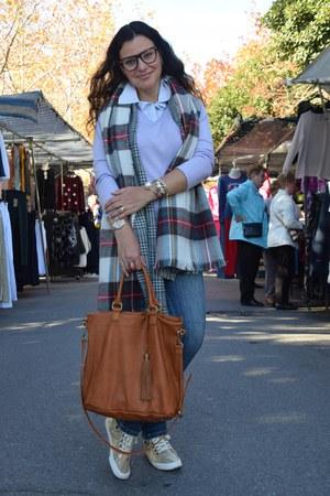 Stradivarius scarf - Zara jeans - H&M sweater - Even&Odd bag - Guess watch