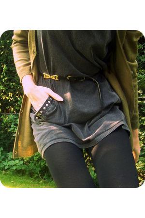 black vintage belt - green H&M cardigan - black Primark tights - gray dunno dres