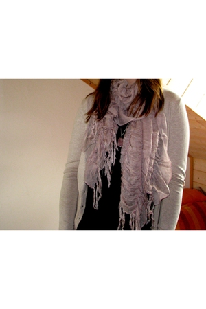 H&M sweater - Orsay GER top - pieces scarf - DIY necklace