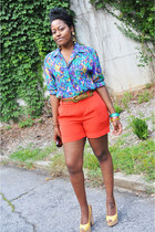 printed thrifted vintage blouse - carrot orange H&M shorts
