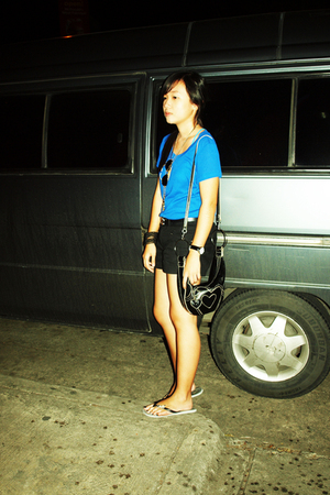 blue - blue - black shorts - gray - black - black